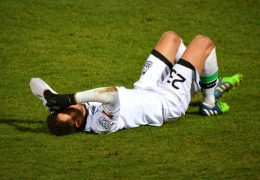 How to Prevent Injuries When Playing Sports?